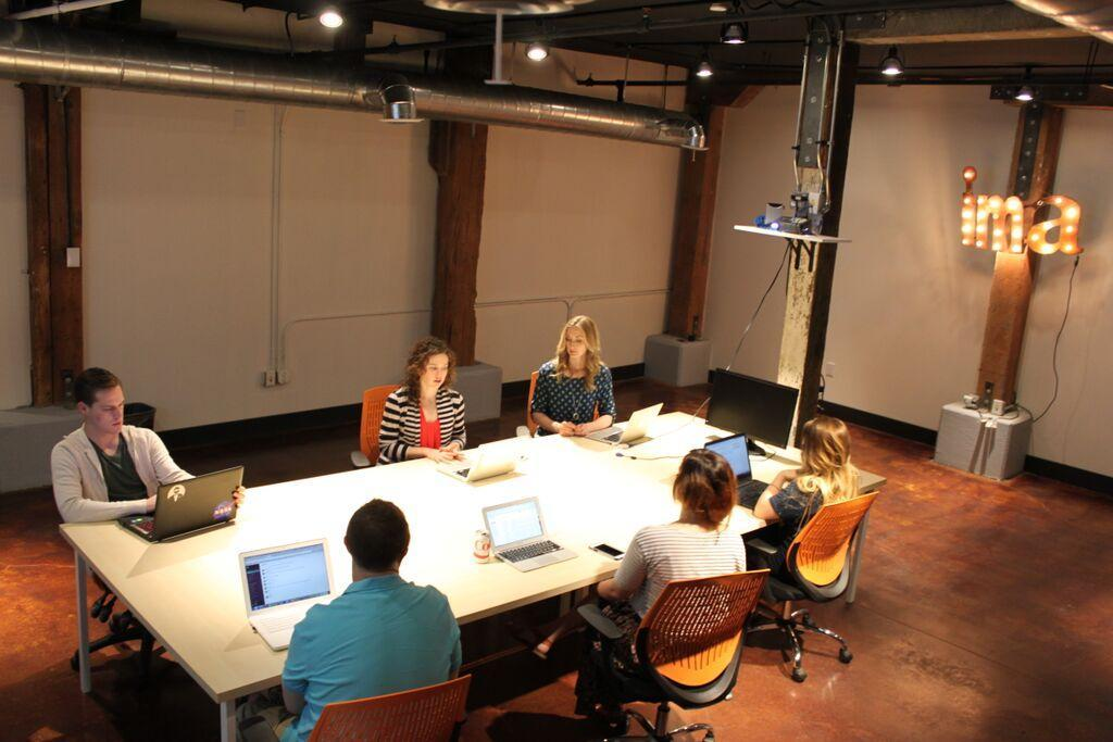 inbound marketing agents at conference table
